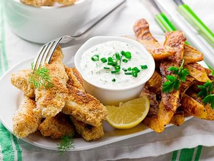 Bastoncini di pesce e patate dolci al forno