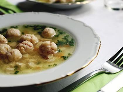 Zuppa con scarola e polpette di tacchino
