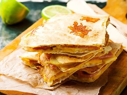 Quesadilla with Ham, Apple and Cheese