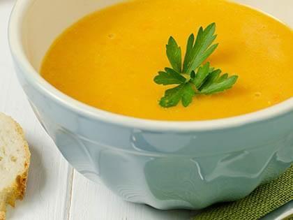 Potage aux carottes à l'orange et au gingembre