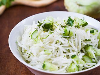Kohlrabi et Cucumber Salad