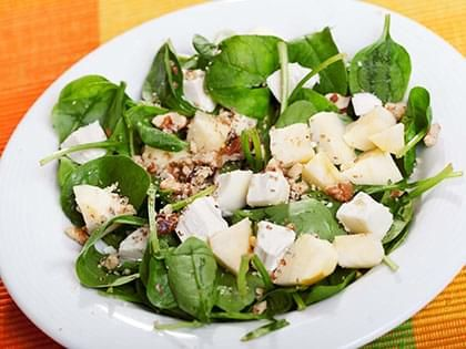 Mixed Greens with Pears and Goat Cheese