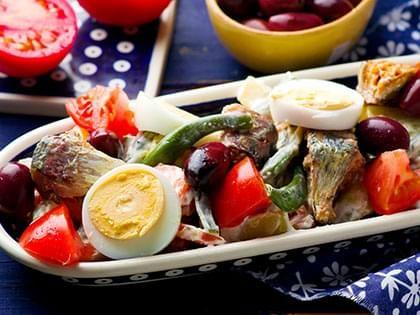 Salade de légumes et sardines