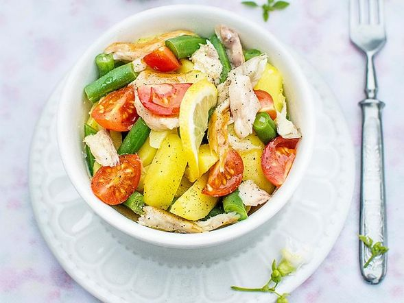 Vegetable Salad with Mackerel