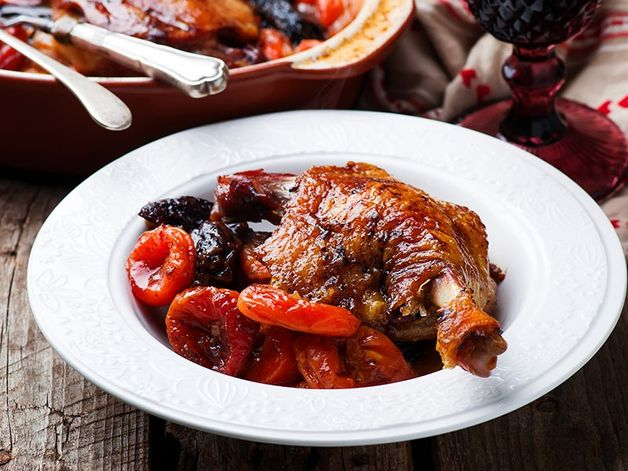 Braised Duck Legs with Dried Fruits