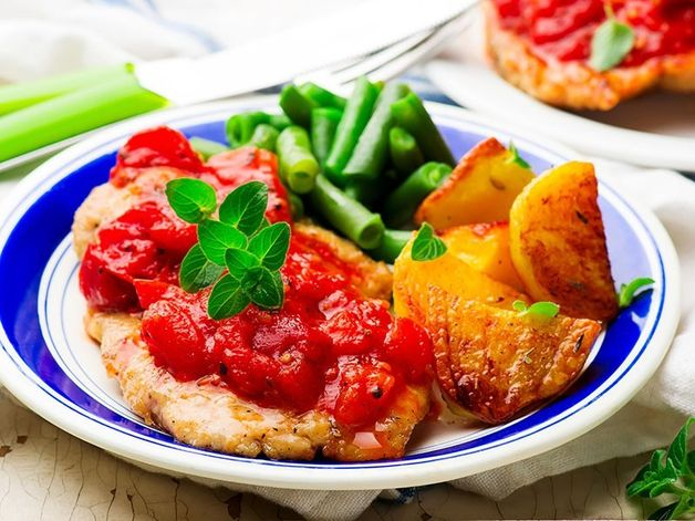 Chicken Cutlets in Pizzaiola Sauce