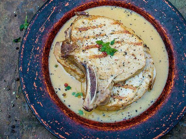 Côtelettes de porc sauce à la moutarde