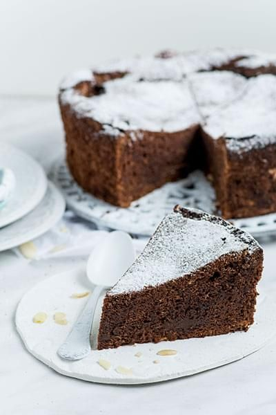 Almond-Chocolate Cake