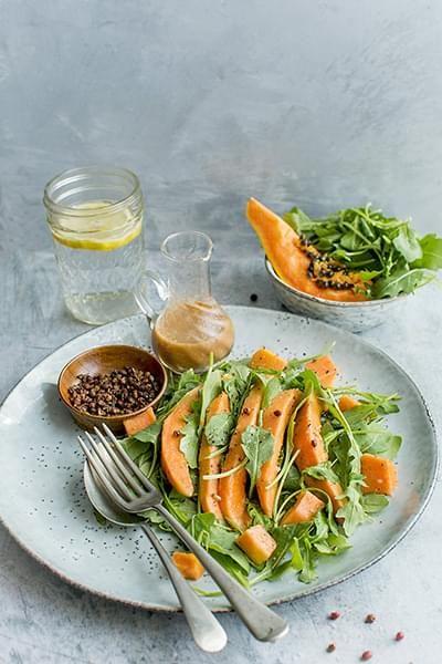 Papaya and Mixed Greens Salad