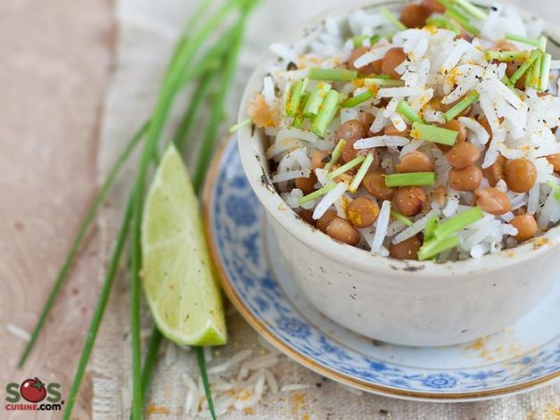Salade de riz et lentilles aux herbes