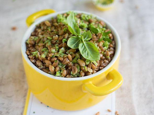 Pesto-flavoured Spelt Salad