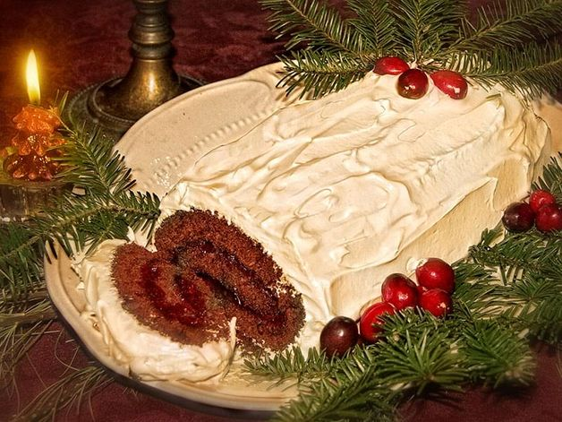 Choco-Raspberry Christmas Log