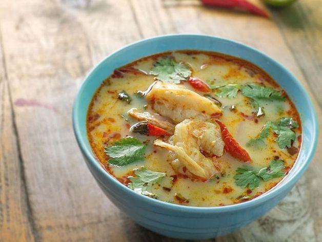 Cilantro-Flavoured Shrimp and Pork Soup
