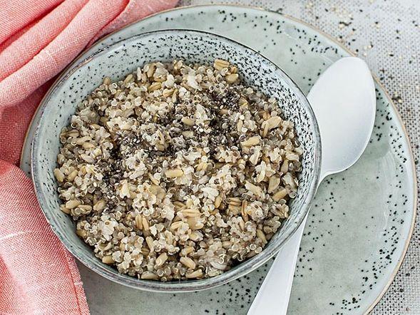 Quinoa and Chia Oatmeal
