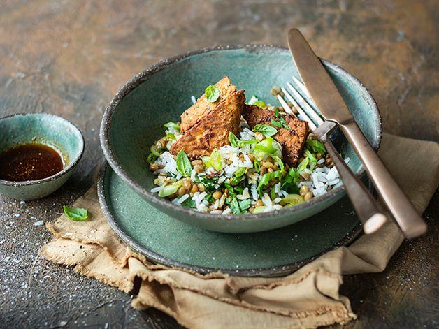 Salade de riz et tempeh aux herbes