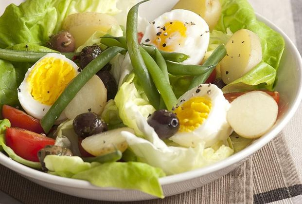 Mixed Vegetable Salad with Eggs