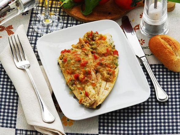 Dietitian service fish fillets à la provençale