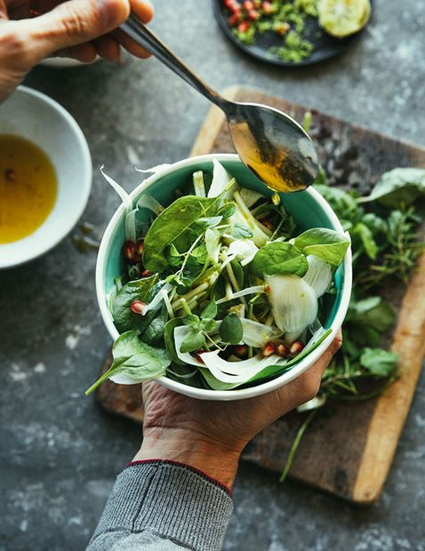 Fennel and Mixed Greens Salad with Pomegranate