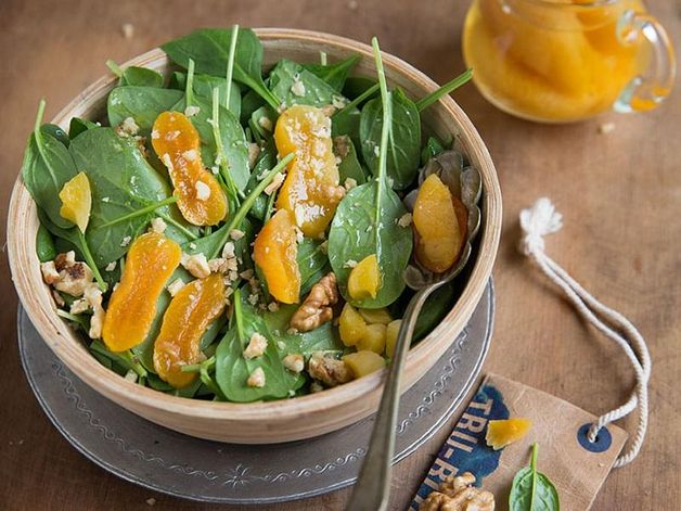 Spinach Salad with Apricots