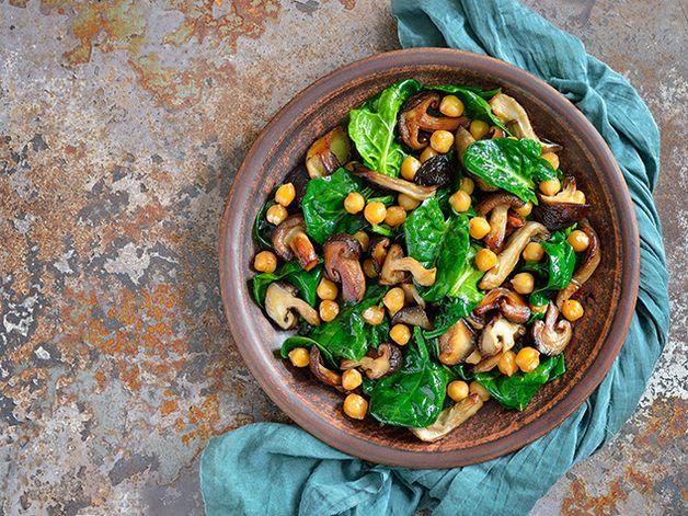 Salade chaude aux pois chiches et champignons