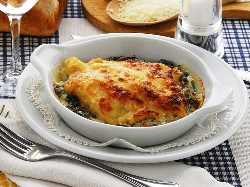 Filets de sole à la florentine : Filets de sole cuits au four avec épinards et fromage.