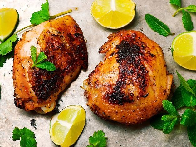 Poulet grillé parfumé au carvi et au poivre noir