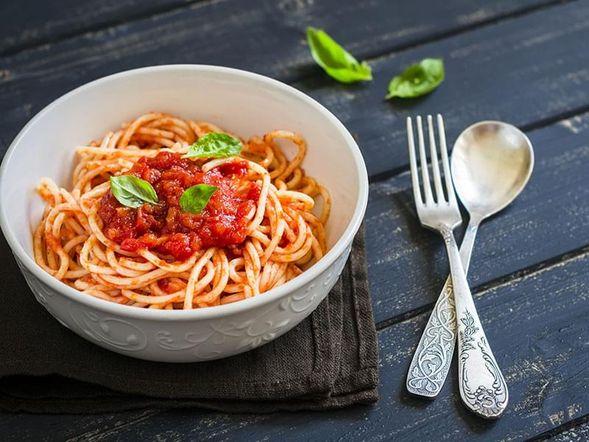 Spaghetti à la tomate fraîche et sauge