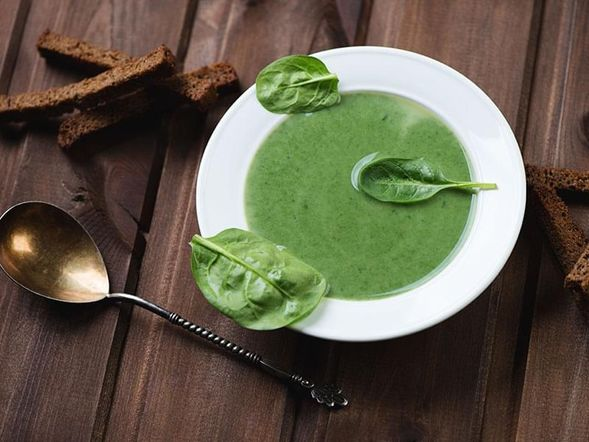 Spinach Soup with Shallots
