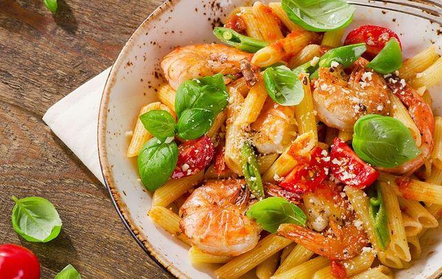 International No Diet Day Shrimp, Tomato, and Basil Pasta