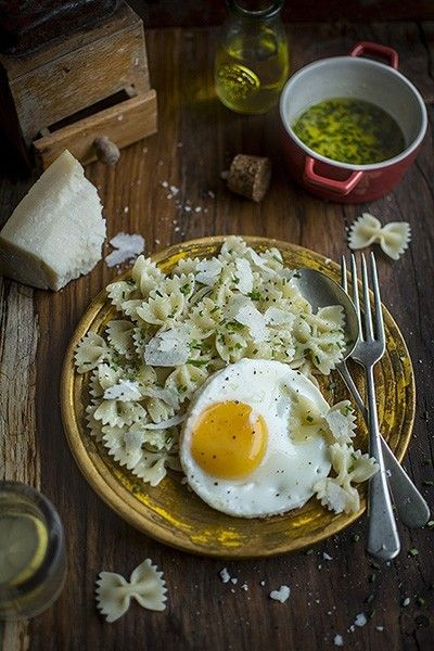 Farfalle Pasta with Fried Egg
